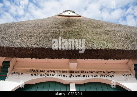 At Jork, the museum of the 'Altes Land' displays the region's rich heritage in a traditional farm house with white - Stock Photo