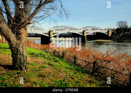 Barnes railway bridge ,River Thames West London Stock Photo