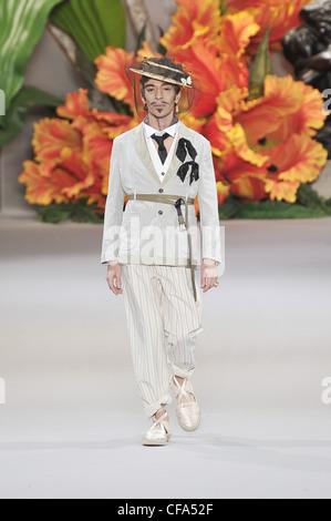 Christian Dior Haute Couture Autumn Winter 2010 11 Flower ...