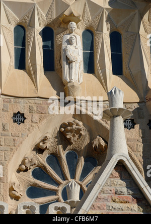 Barcelona, Spain. Temple de la Sagrada Familia (Antoni Gaudi; begun 1882, still unfinished) Detail of Western facade - Stock Photo
