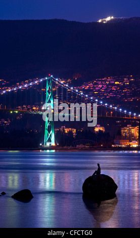 Lions Gate Bridge with skin diver statue, Stanely Park, Vancouver, British Columbia, Canada - Stock Photo