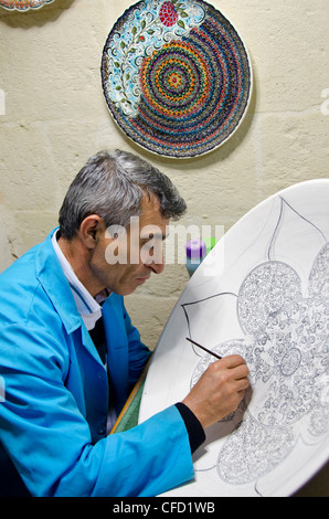 Craft workers in Avanos, Cappadocia, also Capadocia, Central Anatolia, largely in Nevşehir Province, Turkey - Stock Photo