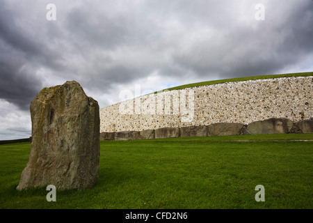 Ancient Burial Mound, Newgrange, UNESCO World Heritage Site, County Meath, Republic of Ireland (Eire), Europe - Stock Photo