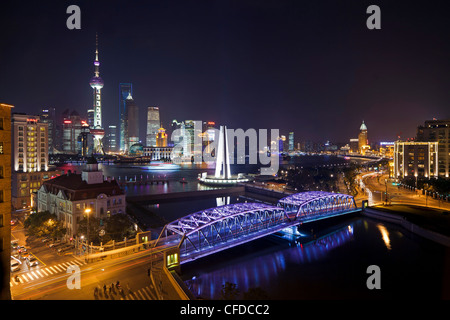 New Pudong skyline, Waibaidu (Garden) Bridge, looking across the Huangpu River from the Bund, Shanghai, China, Asia - Stock Photo