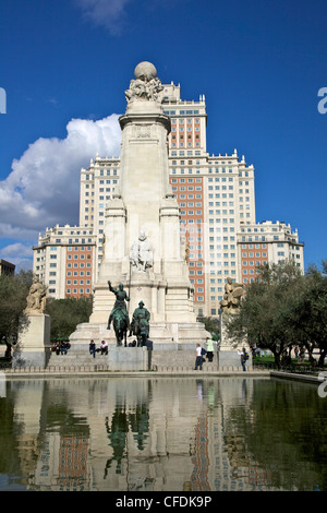 Spring sunshine on the Plaza de Espana, with statues of Don Quixote and Sancho Panza, Madrid, Spain, Europe - Stock Photo