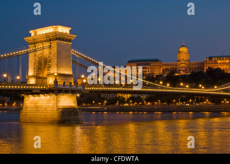 The Chain Bridge (Szechenyi Lanchid), over the River Danube, with the Hungarian National Gallery behind, Budapest, - Stock Photo