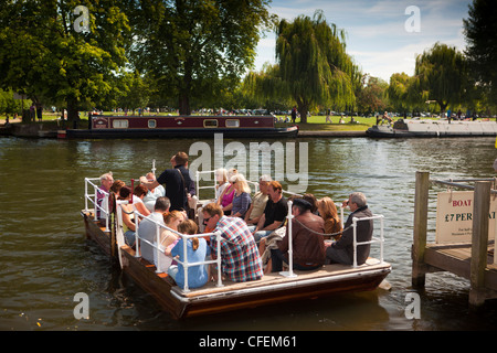 Warwickshire, Stratford on Avon, visitors crossing River Avon, on chain operated ferry - Stock Photo
