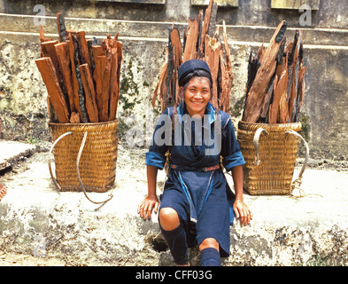 Hmong woman in Sapa region, North Vietnam, Vietnam, Indochina, Southeast Asia, Asia - Stock Photo
