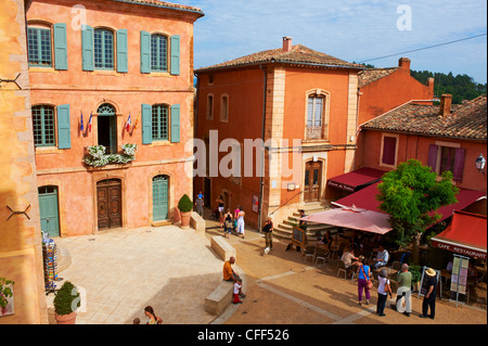 Roussillon village, labeled one of the most beautiful villages in France, Luberon, Vaucluse, Provence, France, Europe - Stock Photo