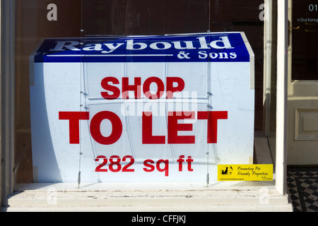 Empty shop to let on the High Street in Burton-upon-Trent, Staffordshire, England, UK - Stock Photo