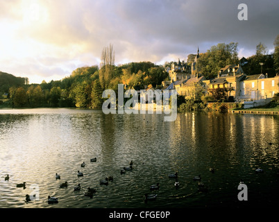 pierrefonds town houses homes village oise department picardy ile-de-france region france french water lake river - Stock Photo
