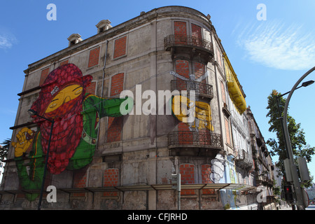 Gemeo's facade at the Avenida Fontes Pereira de Melo 24, part of the Crono urban art project, Lisbon, Portugal, - Stock Photo