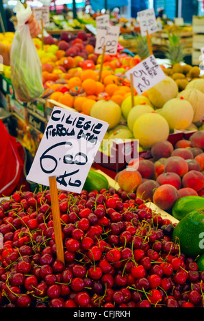 Cherries for sale at fruit and vegetable market, Rialto, Venice, Veneto, Italy, Europe