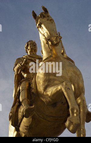 Equestrian gilt statue of King William Third in Market Place Kingston upon Hull erected in 1734 - Stock Photo