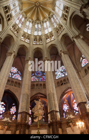Pillars and vaulted roof in the choir, Beauvais Cathedral, Beauvais, Picardy, France, Europe - Stock Photo