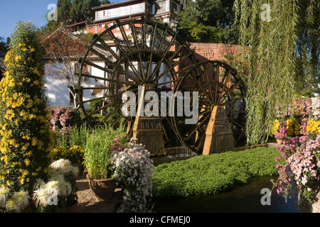 Waterwheel in Main square, Lijiang, Yunnan, China, Asia - Stock Photo