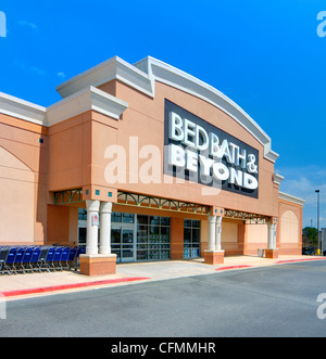 Bed Bath and Beyond Store in Oxnard California Stock Photo ...