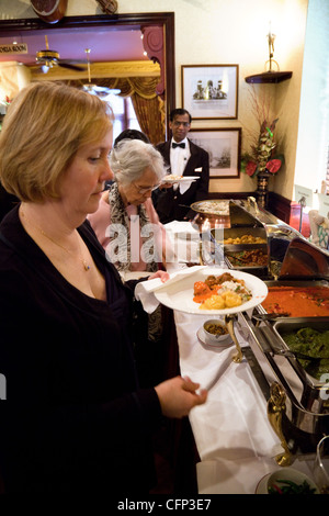 indian restaurant curry uk   serving trays at a help