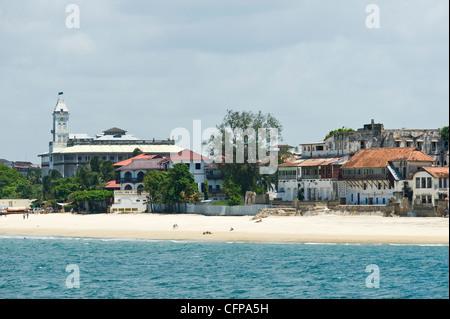 'House of Wonders and Tembo Hotel in Stone Town Zanzibar Tanzania - Stock Photo