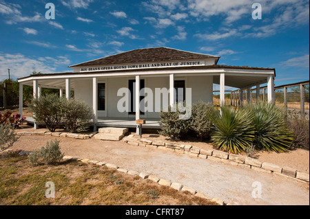USA, Texas, Langtry, Judge Roy Bean Residence, Opera House, Town Hall and Seat Of Justice,. PLEASE CALL FOR SUPER - Stock Photo