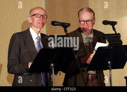 KCBS newscaster Al Hart (left), of Walnut Creek, and Don Mozley perform 'Newsroom 1956' at the Bay Area Radio Hall - Stock Photo