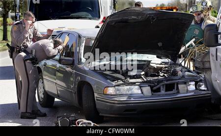 012907 tc met crash (2of3) Staff Photo by Paul J. Milette/The Palm Beach Post 0032946A w/story by Daphne Duret  - Stock Photo