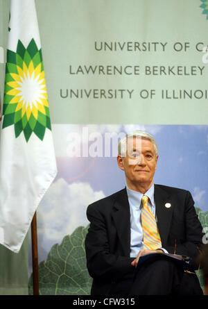 Joining in a multi-million dollar announcement is UC Berkeley Chancellor Robert Birgeneau on the Berkeley, Calif. - Stock Photo