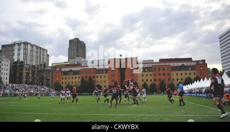 23.8.12 London. England. General view of play during the Saracens vs Stade Francais pre season friendly at the Honourable - Stock Photo