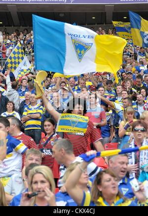 25th Aug 2012. London, England.  Warrington fans during the Carnegie Challenge Cup Final between Leeds Rhinos and - Stock Photo