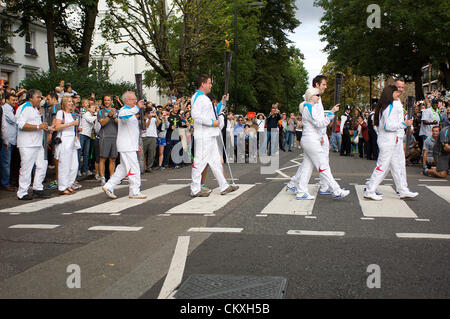 London, UK. 29th Aug 2012. Five of the torchbearers from among the 580 people specially chosen to carry the Paralympic - Stock Photo