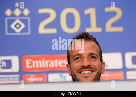 31.08.2012. Hamburg, Germany.  Dutch soccer pro Rafael van der Vaart sits during a press conference by Hamburger - Stock Photo