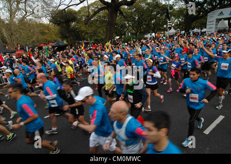 Sept. 9, 2012 - Buenos Aires, Buenos Aires, Argentina - Over 14.000 runners participated of the 21k Buenos Aires - Stock Photo