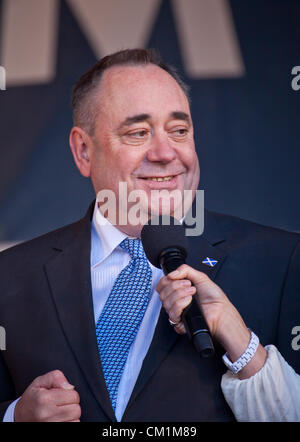 14th September, 2012. Alex Salmond, then First Minister of Scotland, being interviewed at the end of the homecoming - Stock Photo