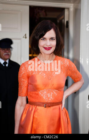 London, UK - 19 September 2012: Elizabeth McGovern participates in the fundraising dinner in London for President - Stock Photo