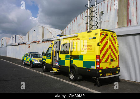Northern Ireland Ambulance Service command and control centre during a major incident and search & rescue operation - Stock Photo