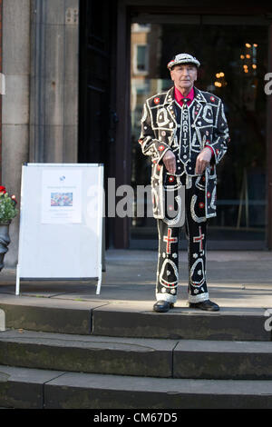 14th Oct 2012,  Pearly Kings & Queens Harvest Festival St. Paul's Church, Covent Garden, London, UK. - Stock Photo
