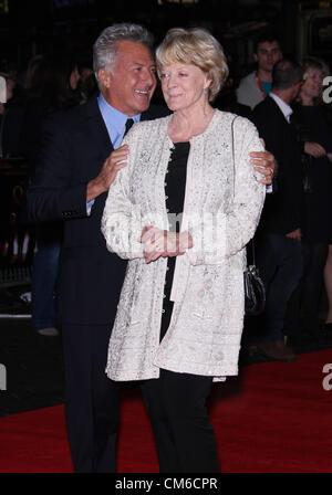 MAGGIE SMITH DUSTIN HOFFMAN QUARTET. PREMIER 56TH BFI LONDON FILM FESTIVAL LONDON ENGLAND UK 15 October 2012 - Stock Photo