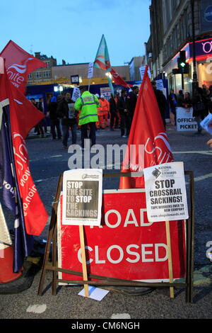 London, UK. Wednesday 17th October  2012. Flashmob protest at Crossrail site in Central London by Unite union memebrs - Stock Photo