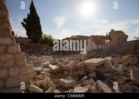 Azaz, Syria. 17th October 2012. A building damaged by an air attack in A'zaz, Syria on October 17, 2012. Credit: - Stock Photo