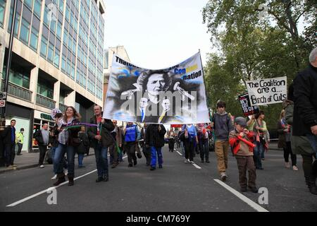 London, UK. 20th October 2012 Thousands gathered in Central London to join the march 'A Future that Works' organized - Stock Photo
