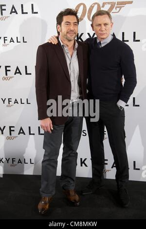 Oct. 28, 2012 - Madrid, Spain - Actor Daniel Craig and Actor Javier Bardem attend the 'Skyfall' photocall at Villamagna - Stock Photo