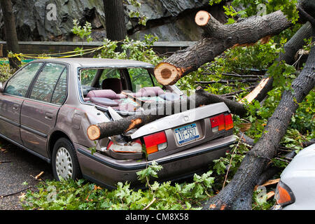 New York, USA. 30th October 2012. Hurricane Sandy aftermath, street shots in the streets of New York city. Credit: - Stock Photo