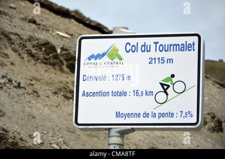 05.06.2012. Pyrenees Mountains, France.  A sign at Col du Tourmalet (2115m) in the french Pyrenees indicates the - Stock Photo
