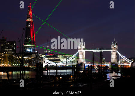 London, UK – 5th July 2012: Renzo Piano's The Shard during the inaugural laser light show. European Union's tallest - Stock Photo