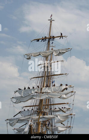 New London, Connecticut, USA - July 7, 2012: The US Coast Guard tall ship Eagle lands at Fort Trumbull during the - Stock Photo
