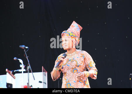 London Pleasure Gardens, London, UK, Saturday 21 July 2012. Beninoise singer-songwriter, Angélique Kidjo performing - Stock Photo