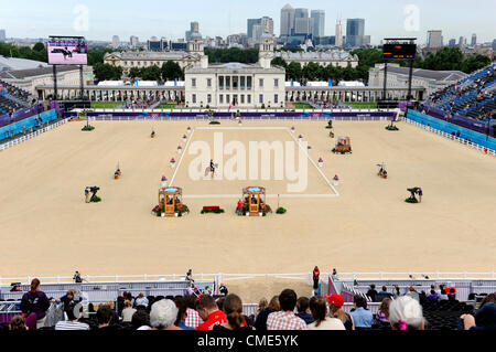 London, UK. 28th July, 2012. Greenwich Park. Olympics Equestrian Eventing. Day 1 Dressage. Credit:  Steve Arkley - Stock Photo