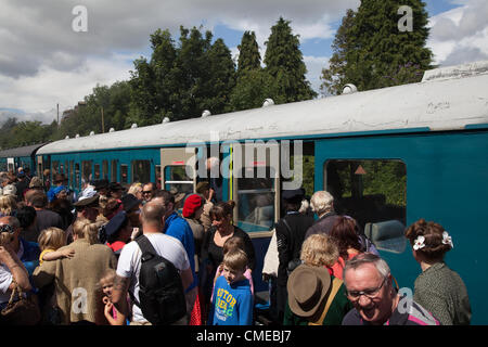 Crowds at the Wensleydale Railway Station Leyburn _ One of the biggest events in Leyburn's calender the 1940s Wartime - Stock Photo