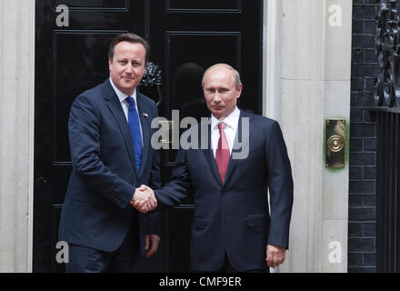 2nd August 2012. London, England, UK. Thursday, 2 August 2012. Vladimir Putin, President of Russia, meets with Prime - Stock Photo