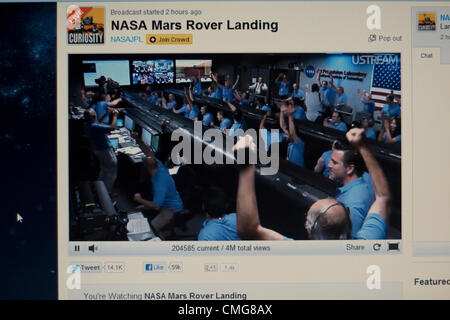 August 6th 2012. USA. A live Stream of NASA's Mars Rover Landing. A computer screen view of NASA Engineers celebrating - Stock Photo